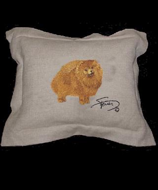 Cojín con pestaña y motivo bordado en lana Pomeranian